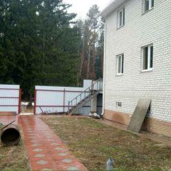Дом 260 м² на участке 6.7 сот.