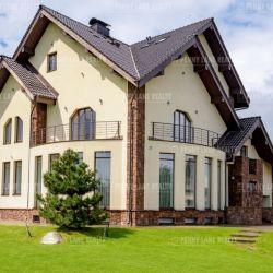 Коттедж 930 м² на участке 31 сот.