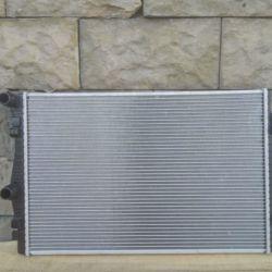 Радиатор Системы охлаждения двс гольф 7