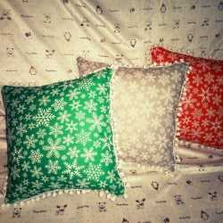 Подушки с новогодним принтом