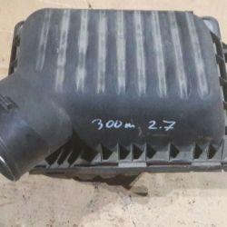 Корпус воздушного фильтра Крайслер 300м 2.7