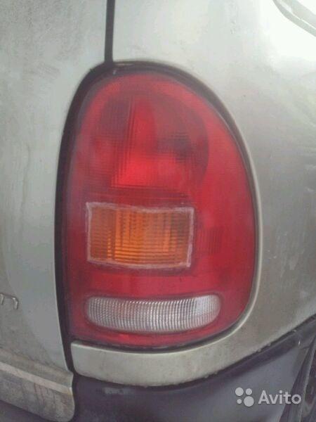 Задний фонарь Chrysler Voyager 1999 в Москве. Фото 1