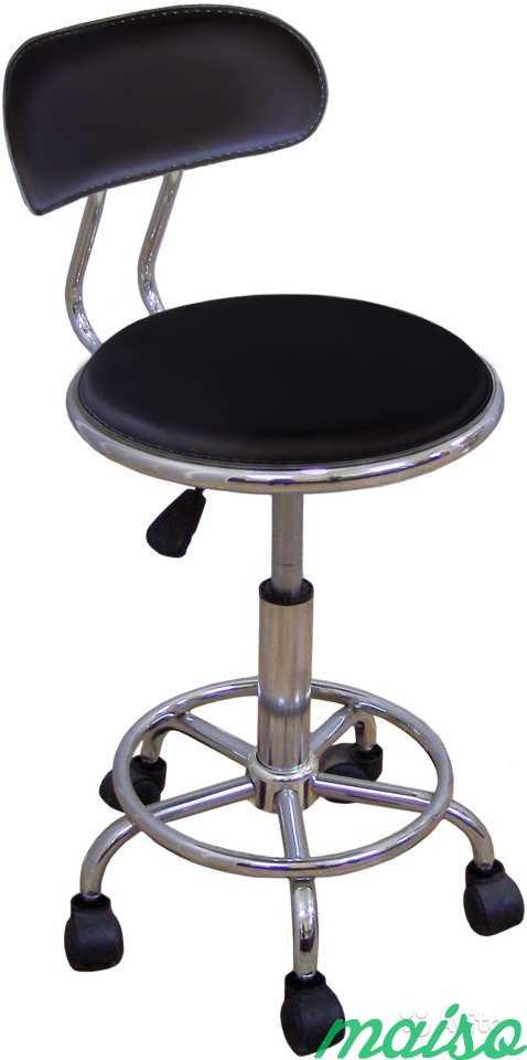 Кресло врача/мастера на колесах с опрой для ног в Москве. Фото 1