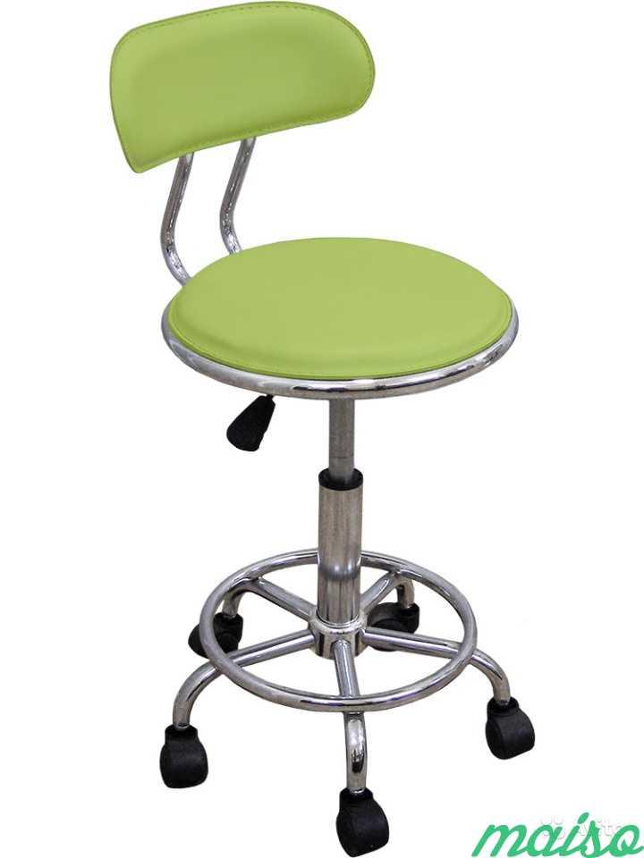 Кресло врача/мастера на колесах с опрой для ног в Москве. Фото 3