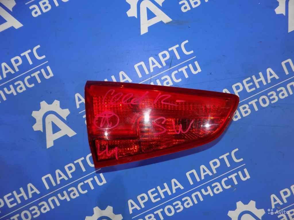 Фонарь внутренний левый Kia Ceed с 2012 бу в Москве. Фото 1