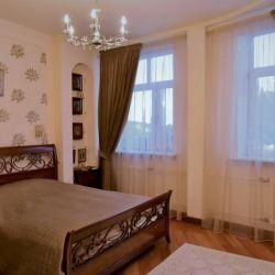 Продам квартиру 3-к квартира 140 м² на 3 этаже 7-этажного монолитного дома