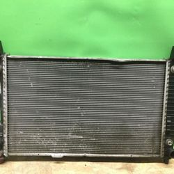 Радиатор охлаждения двигателя Mercedes w245 w169