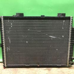 Радиатор основной охлаждения двс Mercedes w210 210