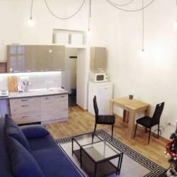 Комната 24 м² в 5-к, 1/4 эт.