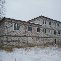 Дом 701 м² на участке 9 сот.