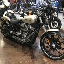 Harley-Davidson Softail Breakout fxbrs 114