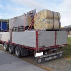 Полуприцеп Бортовой трал с кониками leci trailer