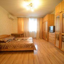 Сдам квартиру посуточно 1-к квартира 36 м² на 11 этаже 17-этажного кирпичного дома