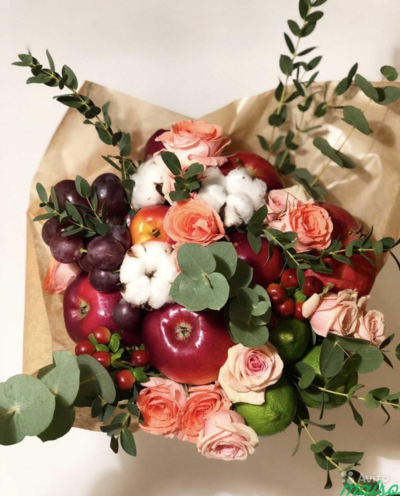 Конфет корзинка, фруктово цветочный букет