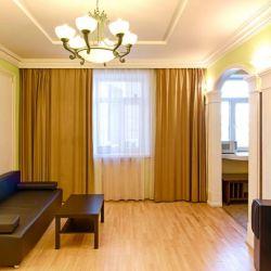 Сдам квартиру посуточно 2-к квартира 65 м² на 4 этаже 10-этажного кирпичного дома