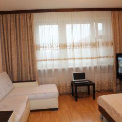 Сдам квартиру посуточно 1-к квартира 45 м² на 10 этаже 14-этажного монолитного дома