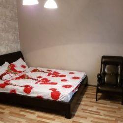 Сдам квартиру посуточно 1-к квартира 38 м² на 5 этаже 5-этажного кирпичного дома