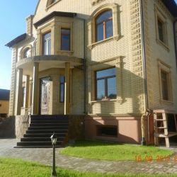 Продам дом 4-этажный дом 1185 м² ( кирпич ) на участке 16 сот. , Киевское шоссе , 2 км до города