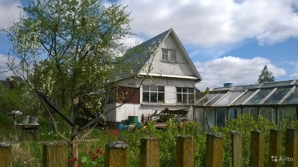 Продам дачу 2-этажный дом 40 м² ( бревно ) на участке 6 сот. , Пятницкое шоссе , 14 км до города в Москве. Фото 1