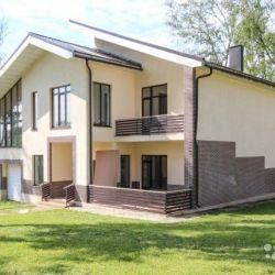 Сдам коттедж посуточно 2-этажный коттедж 435 м² ( кирпич ) на участке 24.5 сот. , Калужское шоссе , 6 км до города