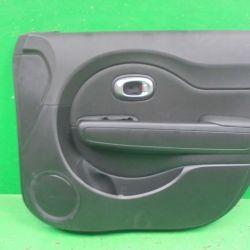 Обшивка двери передней правой KIA Soul 2 14 г