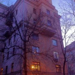 Продам комнату Комната 24 м² в 5-к квартире на 5 этаже 6-этажного кирпичного дома