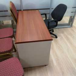 Переговорный стол / офисные столы