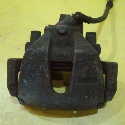 Тормозной суппорт передний левый Мазда 3 BK 03-08г