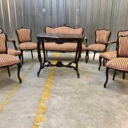 Комплект мебели.Кресло.стол.диван.Антиквариат.Евро