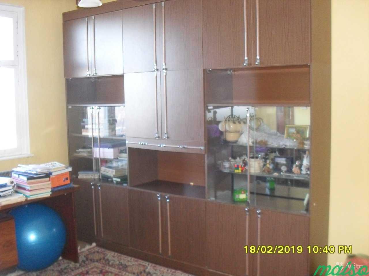 Стол письменный и мебель из квартиры в Москве. Фото 2