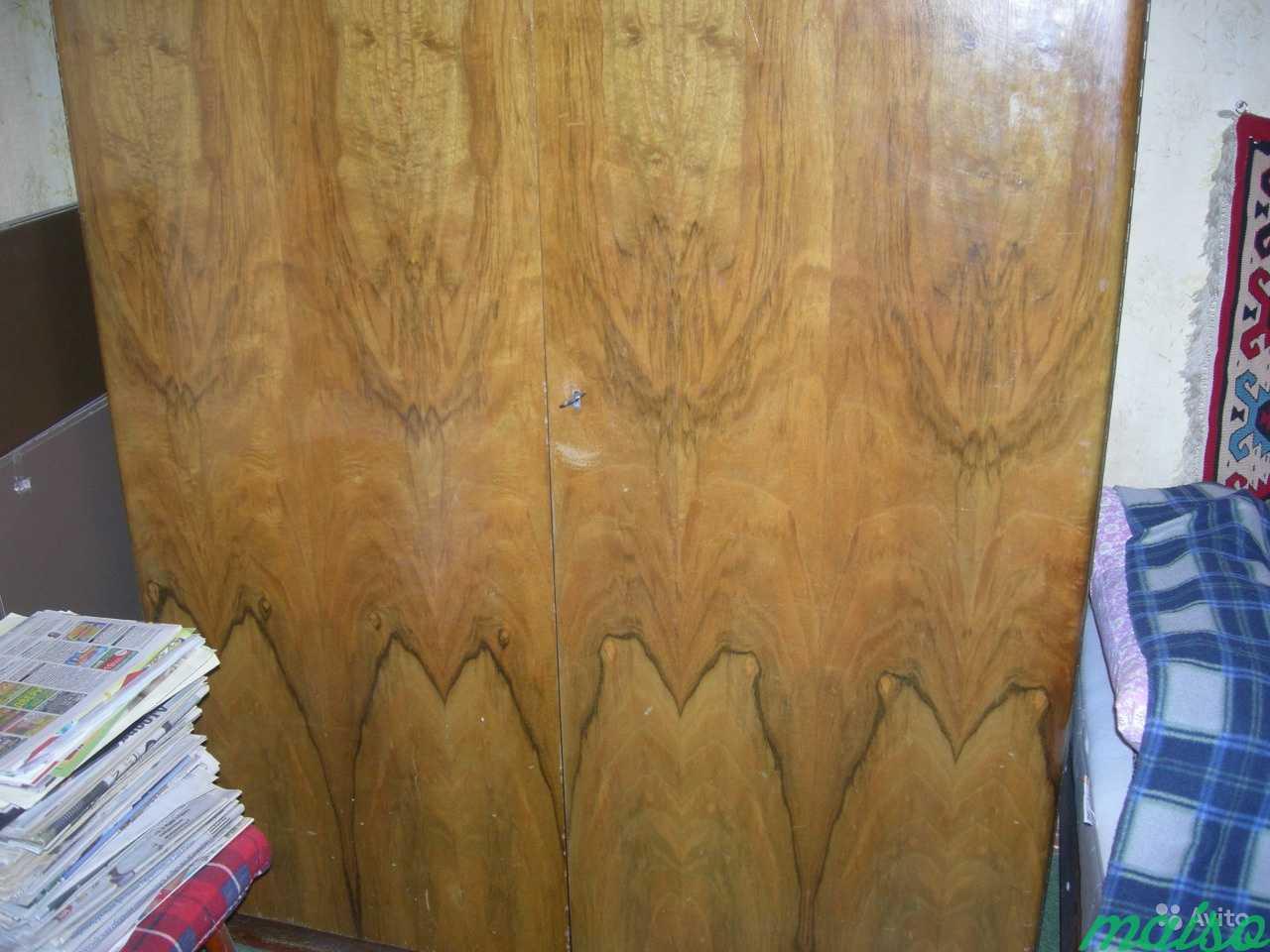 Шкаф платяной Чехия 2-створки шпон лак в Москве. Фото 2