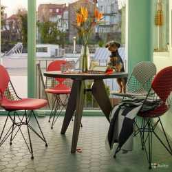 Стол обеденный круглый Jean Prouv