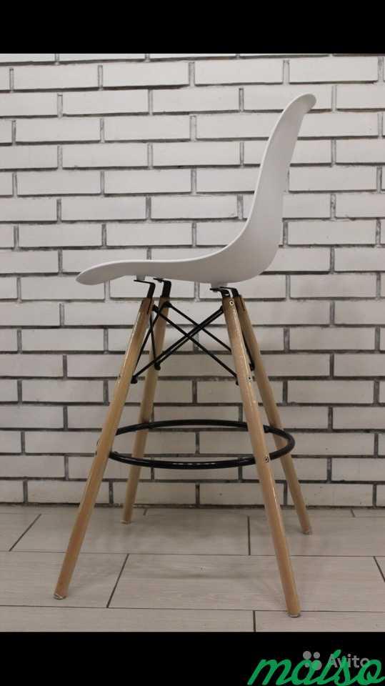 Барные стулья Eames белые в Москве. Фото 4