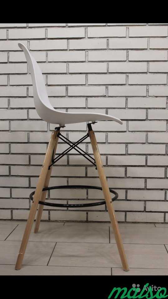 Барные стулья Eames белые в Москве. Фото 2