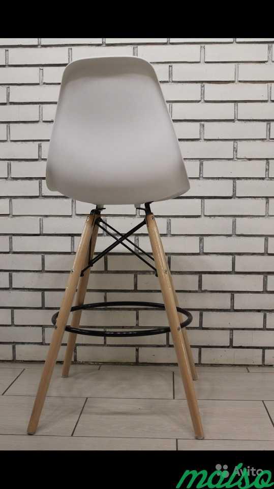 Барные стулья Eames белые в Москве. Фото 3