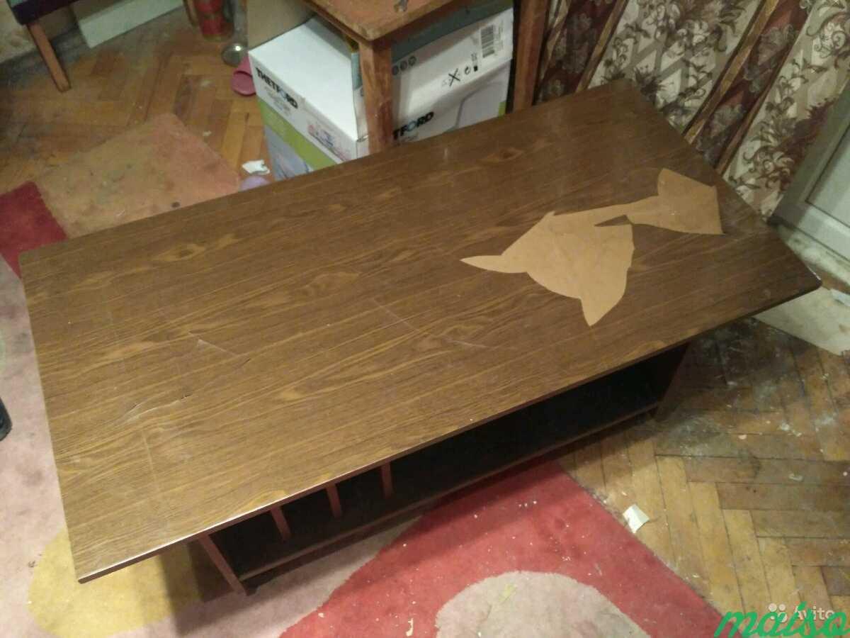 Столик на колесиках времён СССР в Москве. Фото 2
