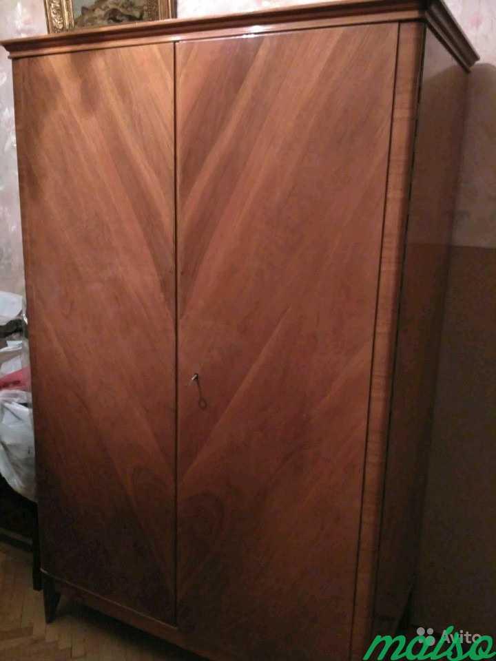 Старинный платяной шкаф, дерево в Москве. Фото 1