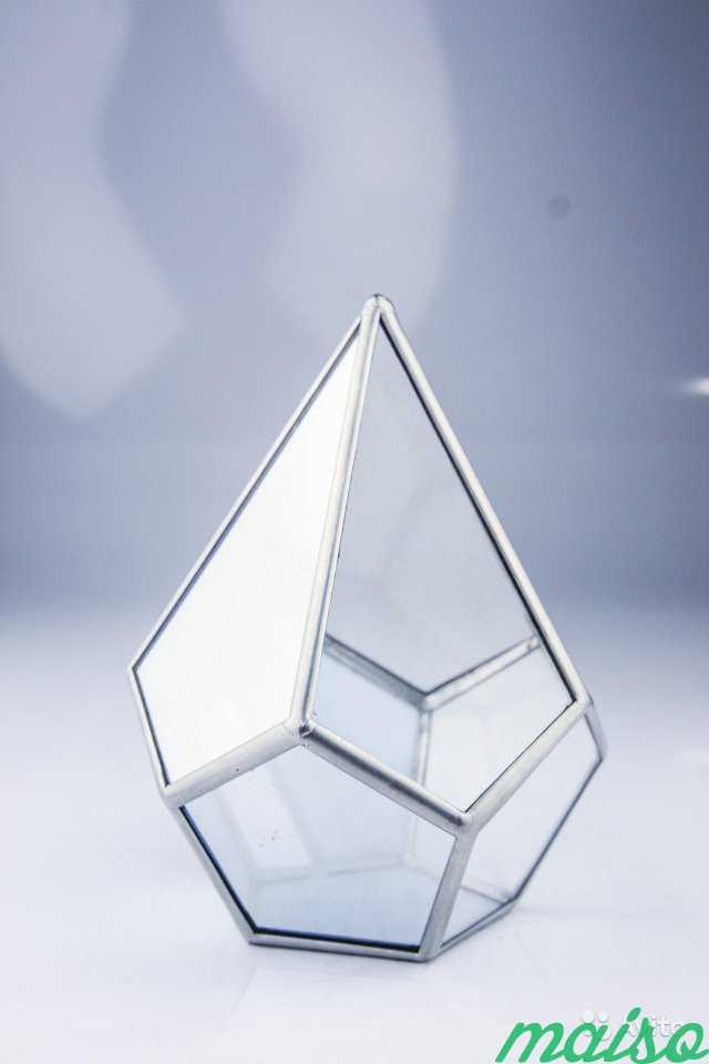 Геометрические фигуры из стекла в Москве. Фото 4