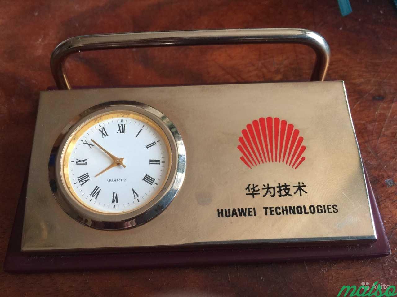 Настольные часы-визитница с нанесением Huawei Tech в Москве. Фото 1