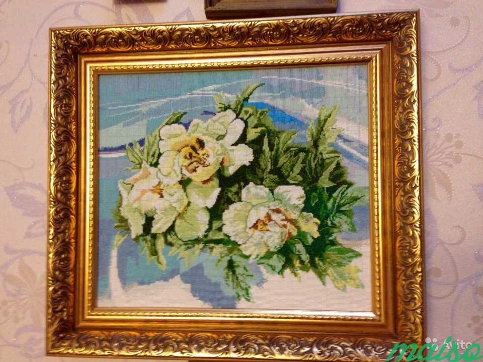 Картина Белые розы, вышита крестиком в Москве. Фото 1