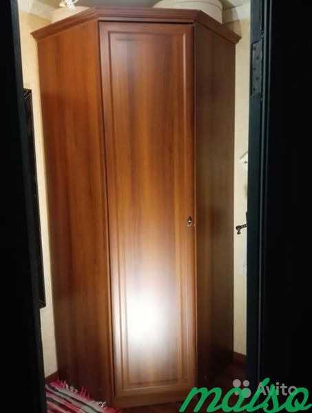 Угловой шкаф. Очень вместительный в Москве. Фото 1