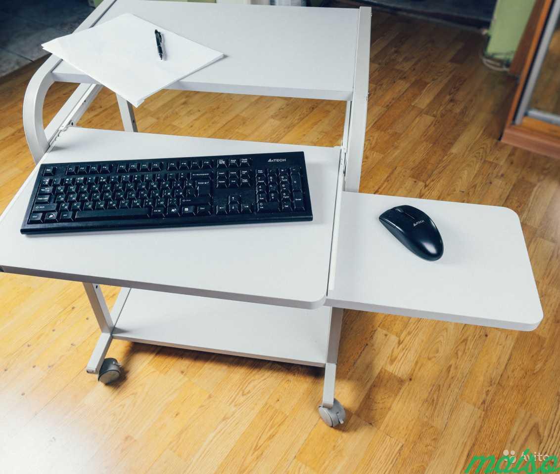 Мобильный компьютерный столик в Москве. Фото 2