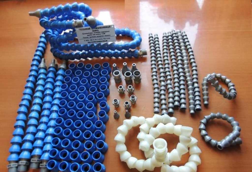 Шарнирные пластиковые трубки для подачи охлаждения сож для промышленных станков в Брянске. Фото 1