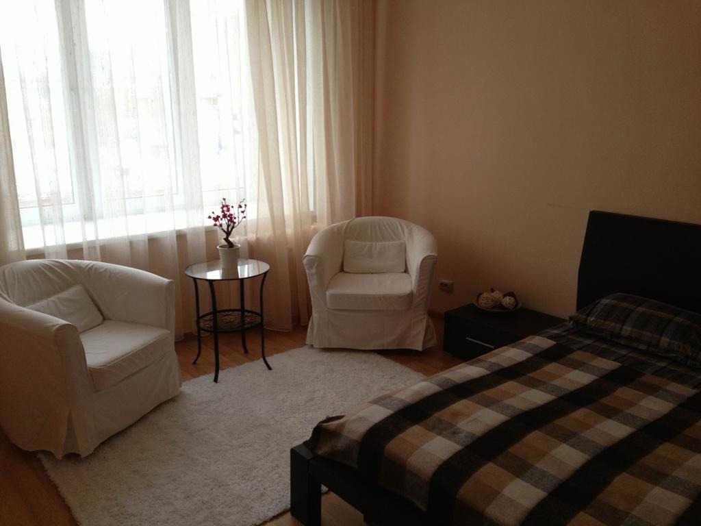 Сдается однокомнатная квартира по адресу ул Народная, 10 в Тюмени. Фото 1
