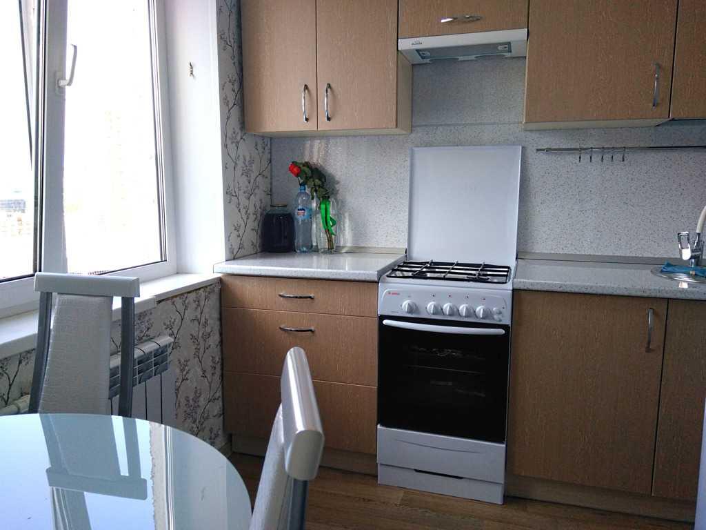 Сдается однокомнатная квартира по адресу ул 50 лет Октября, 64 в Тюмени. Фото 1