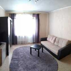 Тюмень, ул. Рощинское шоссе, 2к16 Сдам уютную однокомнатную квартиру.