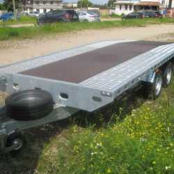 Прицеп трехосный, грузовая платформа с аппарелями-3500кг.