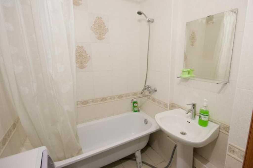 Сдается однокомнатная квартира на длительный срок в Тюмени. Фото 2