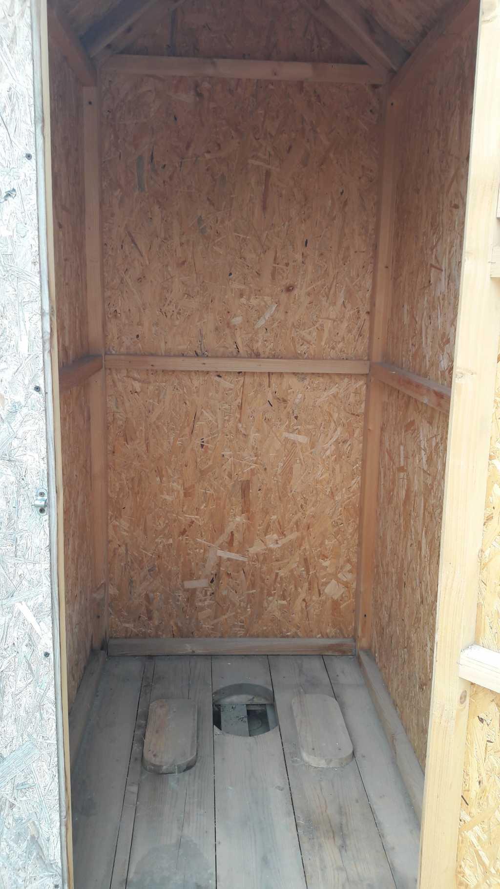 Туалетные деревянные кабины в Тюмени. Фото 6