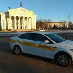 Водитель легкового авто такси